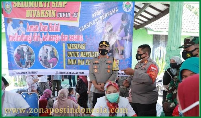 Kapolres Situbondo Tinjau Vaksinasi Covid-19 di Gunung Malang dan Selomukti
