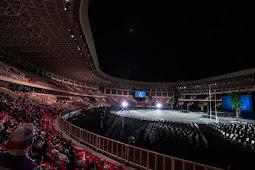 Ribuan Penonton dan Hadirin Penuhi Stadion Lukas Enembe