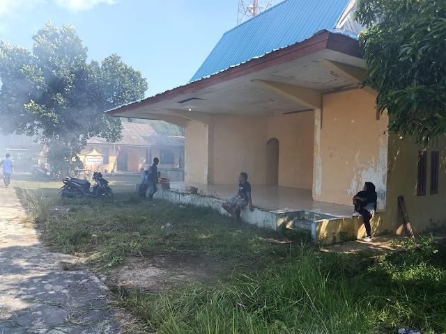 Jumat Bersih Minggu Kedua, Kecamatan Bakung Serumpun Lakukan Goro di Lapangan Sepak Bola Desa Rejai
