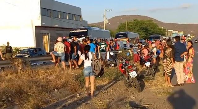 Duas pessoas morrem em acidente de moto na PE-160, Bairro Oscarzão, em Santa Cruz do Capibaribe