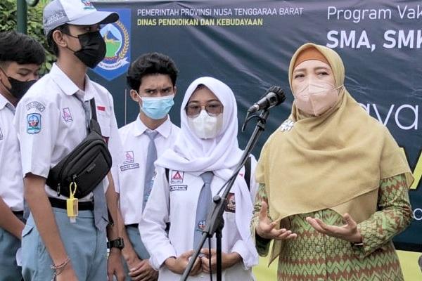 Wagub NTB tinjau pelaksanaan vaksinasi pelajar se Kota Mataram