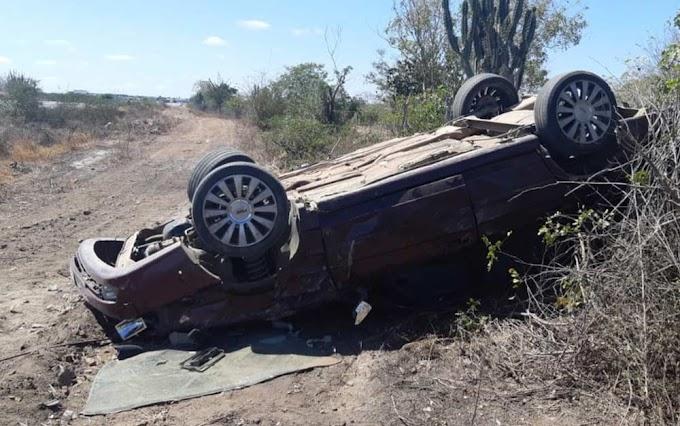Bahia: Mulher grávida fica ferida após carro capotar em Nova Fátima