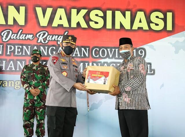 Gandeng PCNU Banyuwangi Jawa Timur Kapolri Kejar Target 70 Persen Vaksinasi Presiden Jokowi