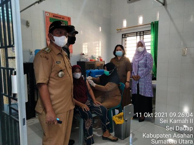 Berikan Rasa Aman Kepada Masyarakat, Personel Jajaran Kodim 0208/Asahan Dampingi Vaksin