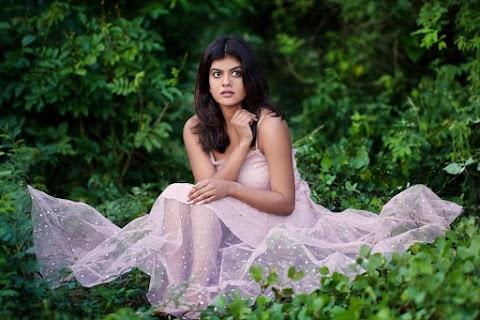 Singer Swagatha Krishnan HD Pictures