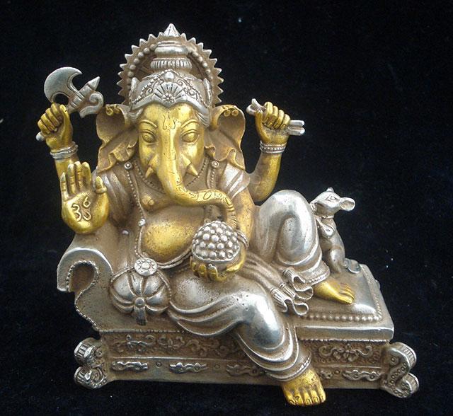 metal statue of god ganesha