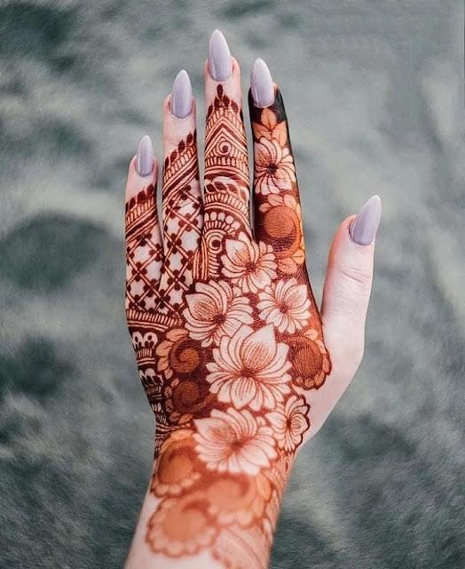 beautiful karwa chauth mehndi design