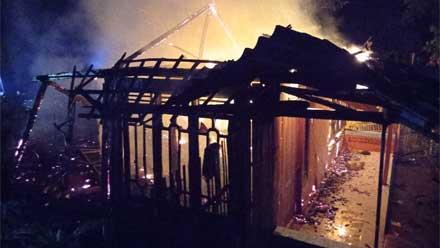 Rumah di Kendal ludes terbakar