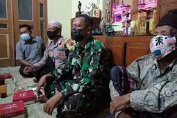 Jalin Silaturahmi, Babinsa Wonosari Hadiri Pertemuan RT Dan Himbau Prokes Covid-19