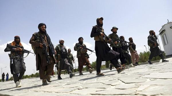 Taliban Dikabarkan Bunuh Wanita Afghanistan yang Tak Pakai Burqa
