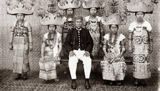 Hierarki Keturunan Dalam Masyarakat Lampung Beradat Pepadun