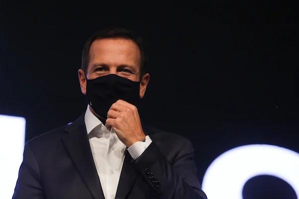 Comitê científico de SP quer máscaras obrigatórias em hospitais mesmo após pandemia