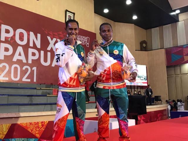 Wairifes Bukwab dan Agus Sujatminto Juarai Nage No Kata Judo PON XX Papua.lelemuku.com.jpg