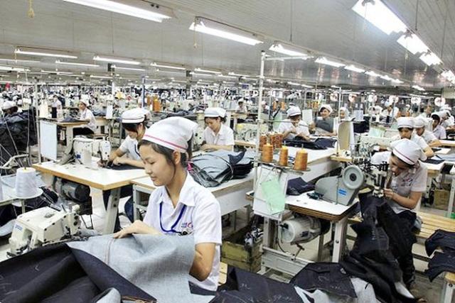 Công nhân tại công ty may Đồng Nai