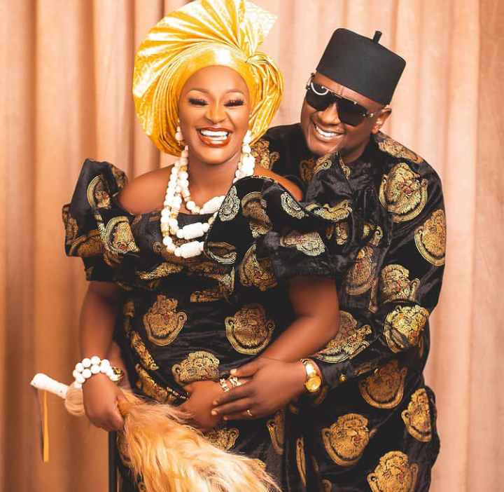 Igbo Amaka: Actress Chacha Eke and family stuns in adorable Isiagu outfit (See pictures)