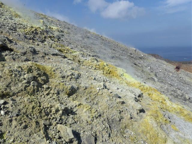 fumarole cratere isola vulcano