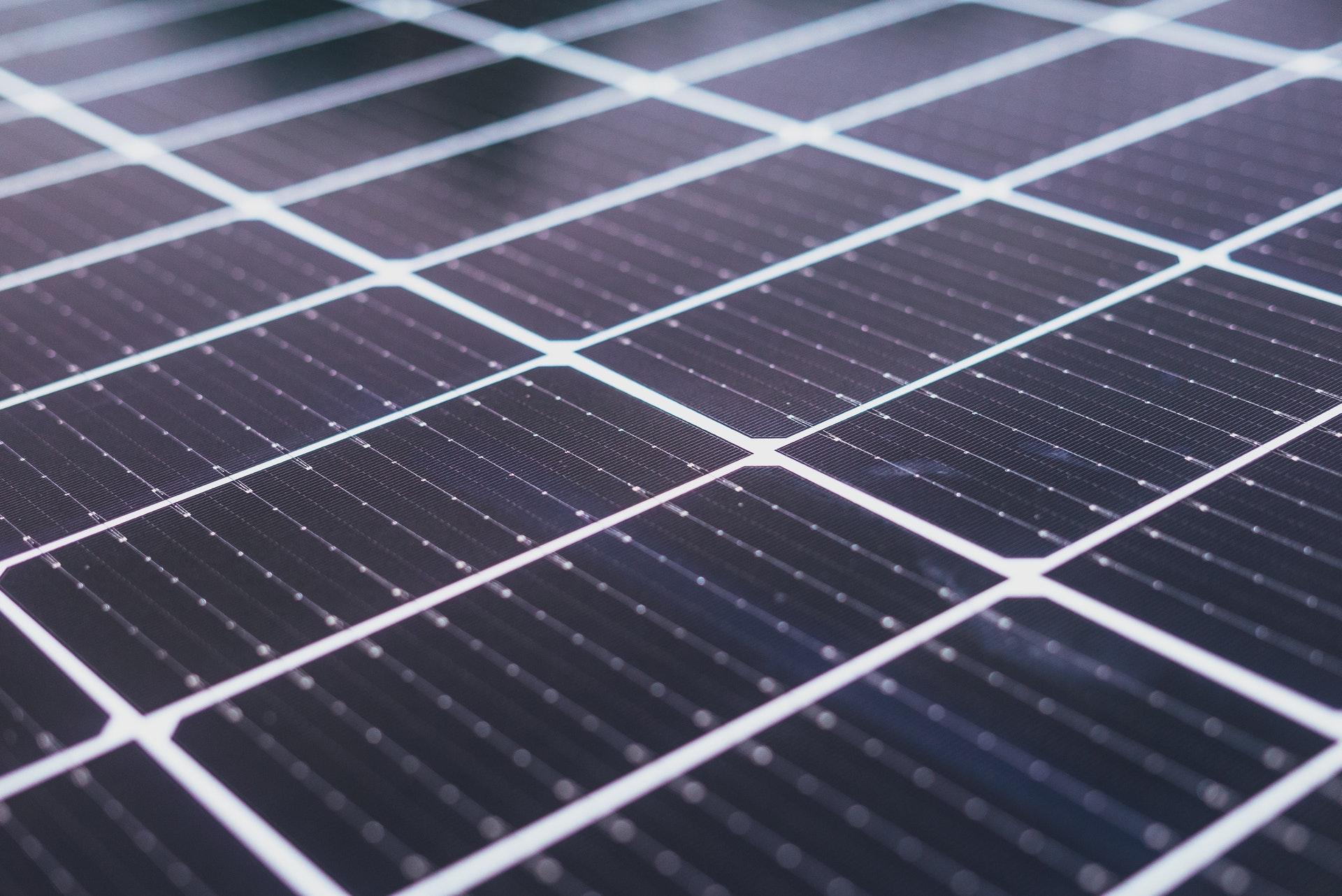 القمة العالمية لطاقة المستقبل بأبوظبي Abu Dhabi تستضيف منتدى الطاقة الشمسية وتعرض أحدث الابتكارات