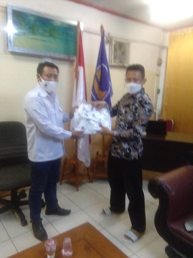 Nasdem Kota Bekasi Serahkan Bantuan Masker Kepada LP2KP