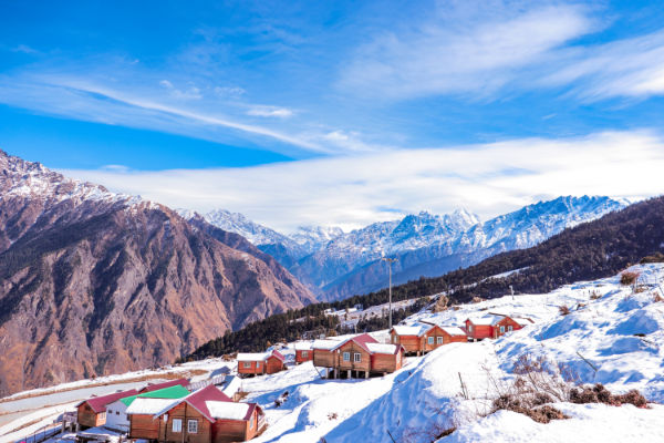 Auli, Uttrakhand   Best Places to Visit in India