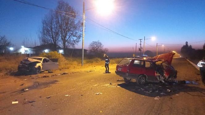 Accidente fatal en San Carlos: dos jóvenes murieron en un choque frontal