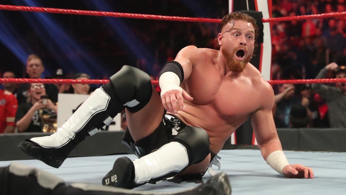 Murphy revela seu novo nome após saída da WWE