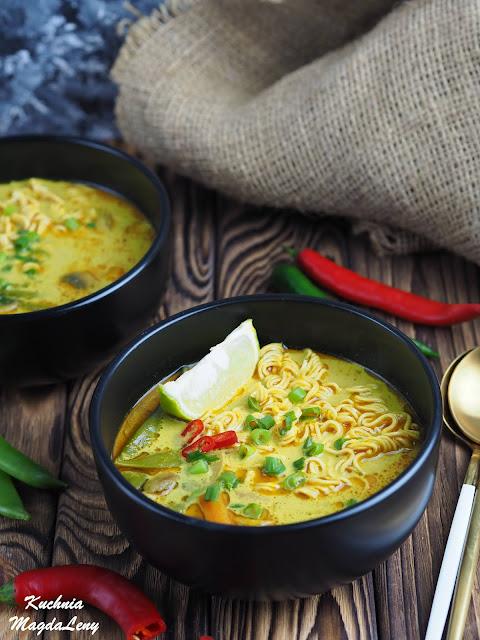 Wegetariańska zupa curry