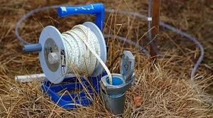 Materi penetapan kadar air tanah dan pH tanah dapat dilakukan dengan melakukan pengukuran menggunakan moisture meter. Kadar air tanah merupakan persen