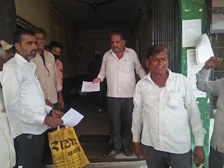 भारतीय किसान संघ ने मंडी सचिव अधिकारी महोदय के नाम सौंपा ज्ञापन