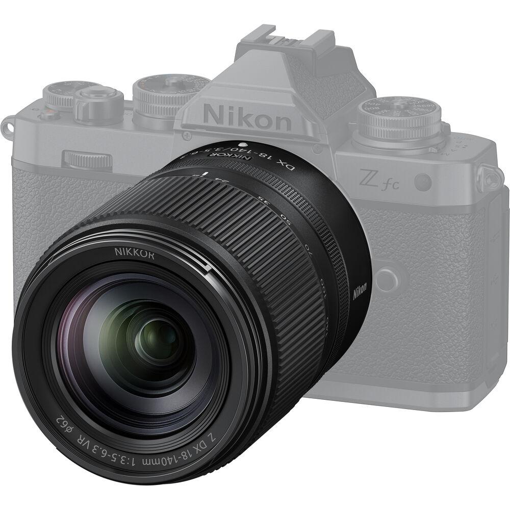 Объектив Nikon Nikkor Z DX 18-140mm f/3.5-6.3 VR с камерой Nikon Zfc