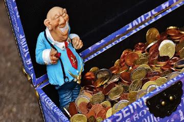 Жадность к деньгам: знаки зодиака, которые считают каждую копейку