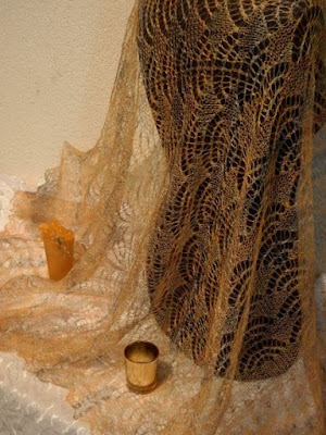 goudensjaals Goudenstolas goudgele shawls.