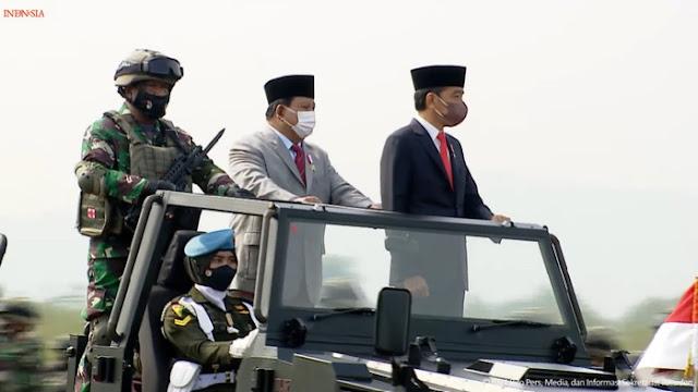 Pekan Mesra Jokowi-Prabowo: Saling Hormat hingga Cek Pasukan Komcad