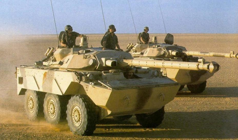 AMX-10RС 6-ї легкої бронетанкової дивізії під час операції «Даге», 1991 рік