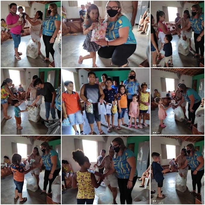 Vereadora Luzia Trajano distribui presentes e sacolinhas às crianças de várias Comunidades Rurais de Cajazeiras PB