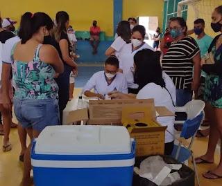 Pilõezinhos seguirá vacinando pessoas com 25+ nesta terça-feira (17/08)