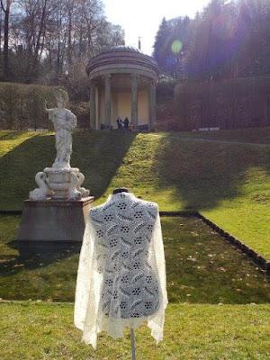 Bruidssjaals gebreide bruidssjaals bruid met gebreide wollen sjaal, shawl