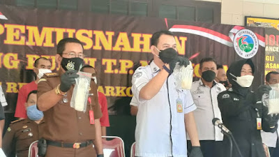 Ditresnarkoba Polda Jateng Musnahkan 811,67 Gram Sabu