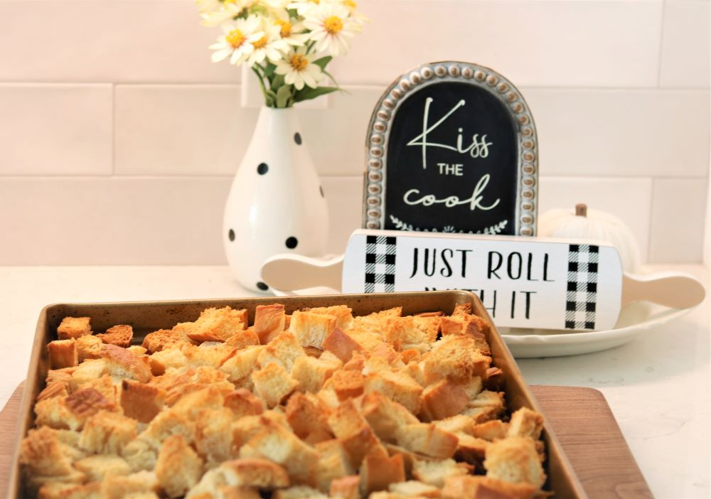 stuffing-homemade-croutons-recipe-holiday-homemaking-cooking-meals