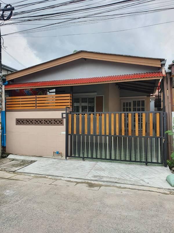 บ้านสวยพร้อมอยู่ หมู่บ้านอมรทรัพย์ เลียบวารี 25 หนองจอก 21 ตรว 2 ห้องนอน