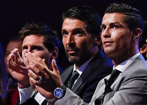 Football legends return