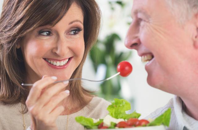 पुरुषों के लिए बहुत फायदेमंद है टमाटर खाना, होता है ये खास फायदे