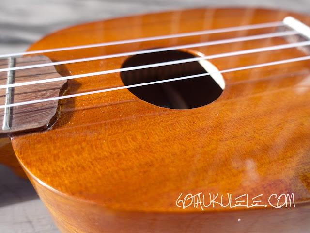 Ohana TPK-25G Sopranino ukulele finish