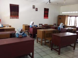 Penerapan PTM di SMPN 2 Medan Disambut Gembira Siswa Sekolah
