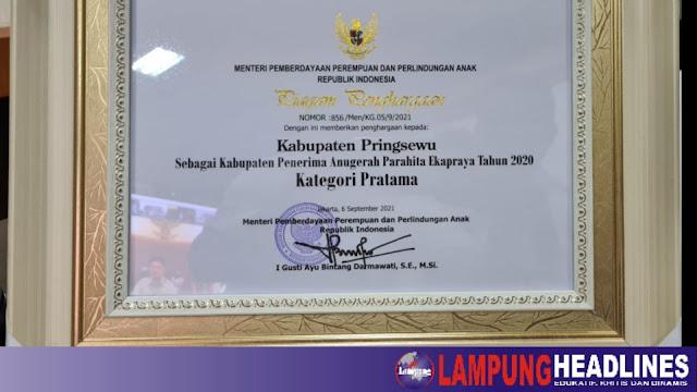 Pemkab Pringsewu Terima Anugerah Parahita Ekapraya 2020 KPPPA RI
