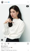 Knetz talks about how funny Actress Lee Minjung's comments on Bae Suzy's Instagram.