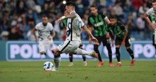 تغلب إنتر ميلان على ساسولو ليسجل فوزًا ثمينًا في دوري الدرجة الأولى الإيطالي وفاز 2-1