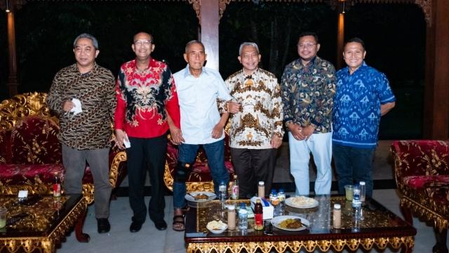 Ini Foto-Foto Silaturahmi Presiden PKS ke Kediaman Ryamizard Ryacudu