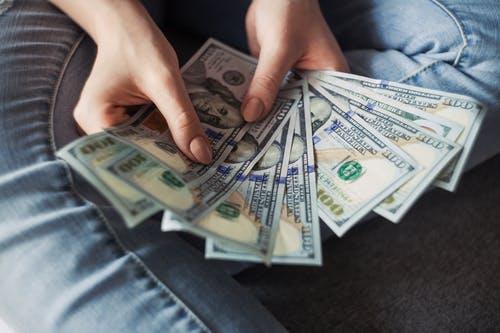 cara mendapatkan uang dari Medium