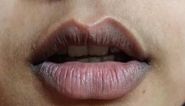 काले पड़ गए हैं आपके होंठ तो करें ये काम, हो जाएंगे गुलाबी और मुलायम