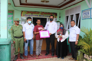Penyerahan Bantuan Langsung Tunai Dana Desa Tahap 10